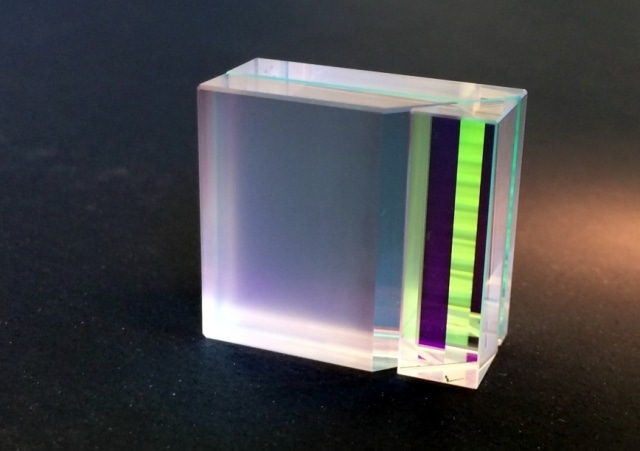 VIPA shown here from the entrance side looking into the entrance prism
