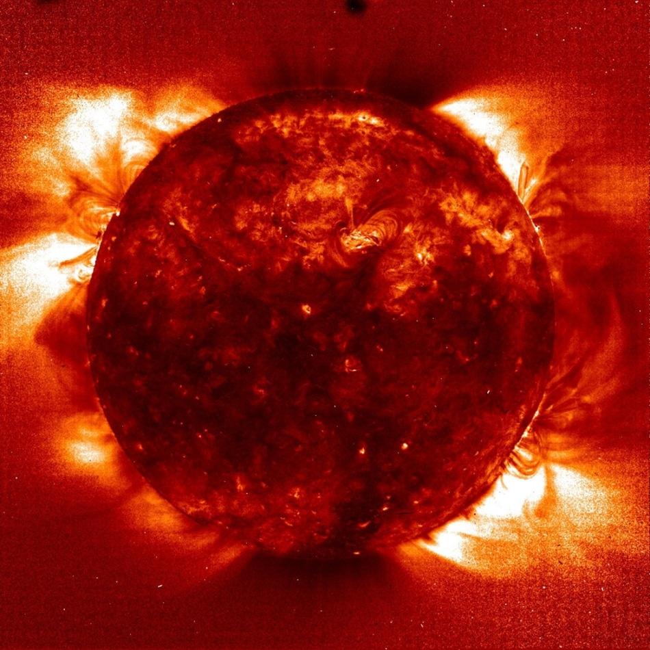 Solar image using a narrowband H-alpha filter combined with a narrowband etalon.