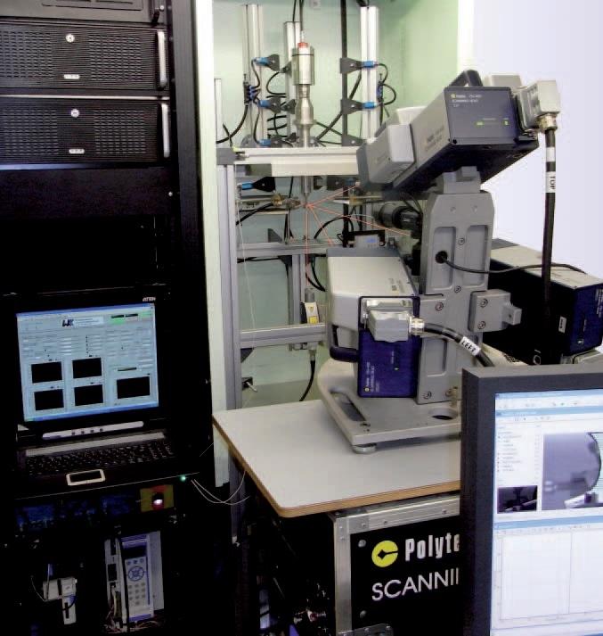 Experimental setup for ultrasonic fatigue testing.