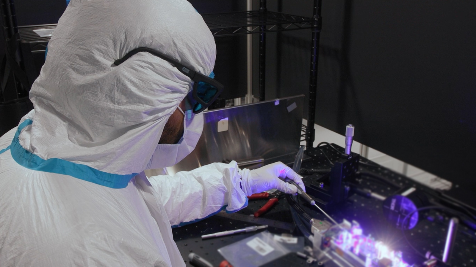 Uniklasers Launch World's First Laser to Operate With 349 nm Single Frequency