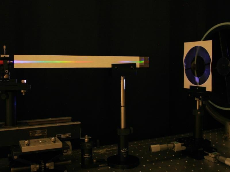 New Method Produces Lens for Focused Image or Spectrum